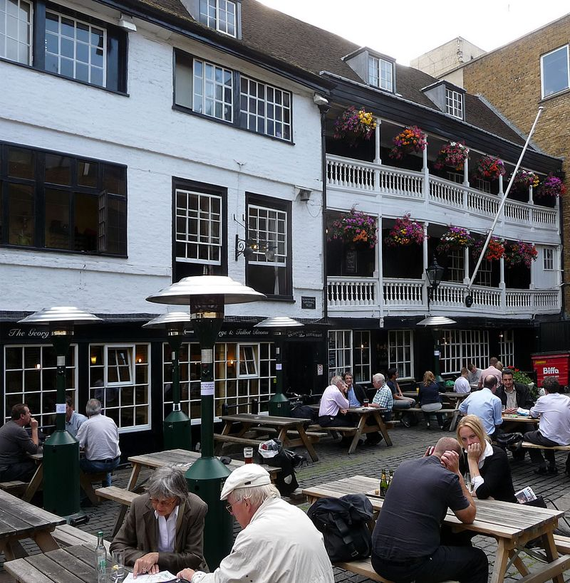 George Inn Yard 2009
