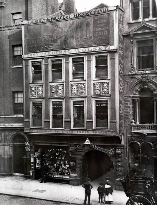 8innertemplegatehouse1880