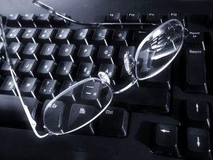 Glasses_by_Zsuzsanna_Kilian_1204276