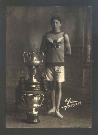 Tom Longboat (1907)