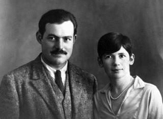 Ernest_and_Pauline_Hemingway%2C_Paris%2C_1927
