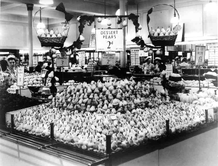 SMALL Pear display 1930's