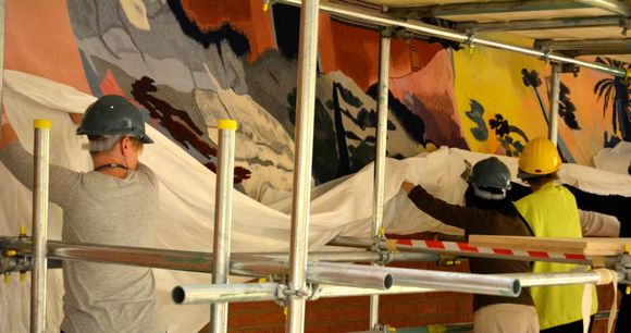 Cleaning and rehanging the Kitaj tapestry