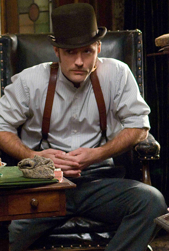 Jude-Law-in-Sherlock-Holmes_wearing-braces_for-inspired-by-blog