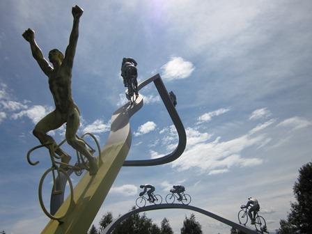 Sculptureofcyclists