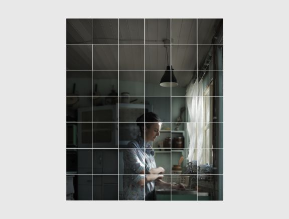 Honeycomb_Plodge_James Spinney_image 1 woman at counter