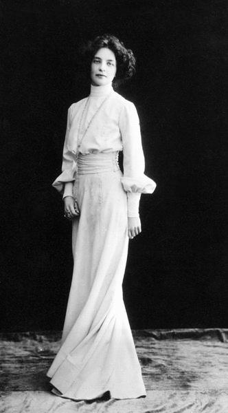 Image2-Z_Gippius_1910s