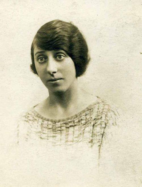 Annie Procter 358