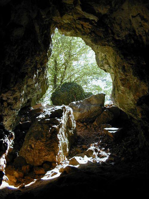 Robin hood cave_internal3