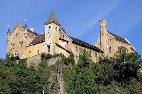 800px-Eberstein_Schloss_Eberstein_10092012_322