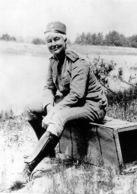 Flora_Sandes_in_uniform